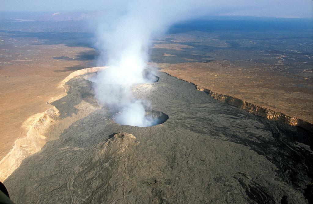 Erta Alle - vulkán v blízkosti Addis Abeba.